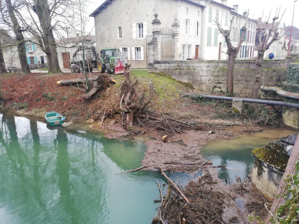 chantier-nettoyage-aménagement-riviere